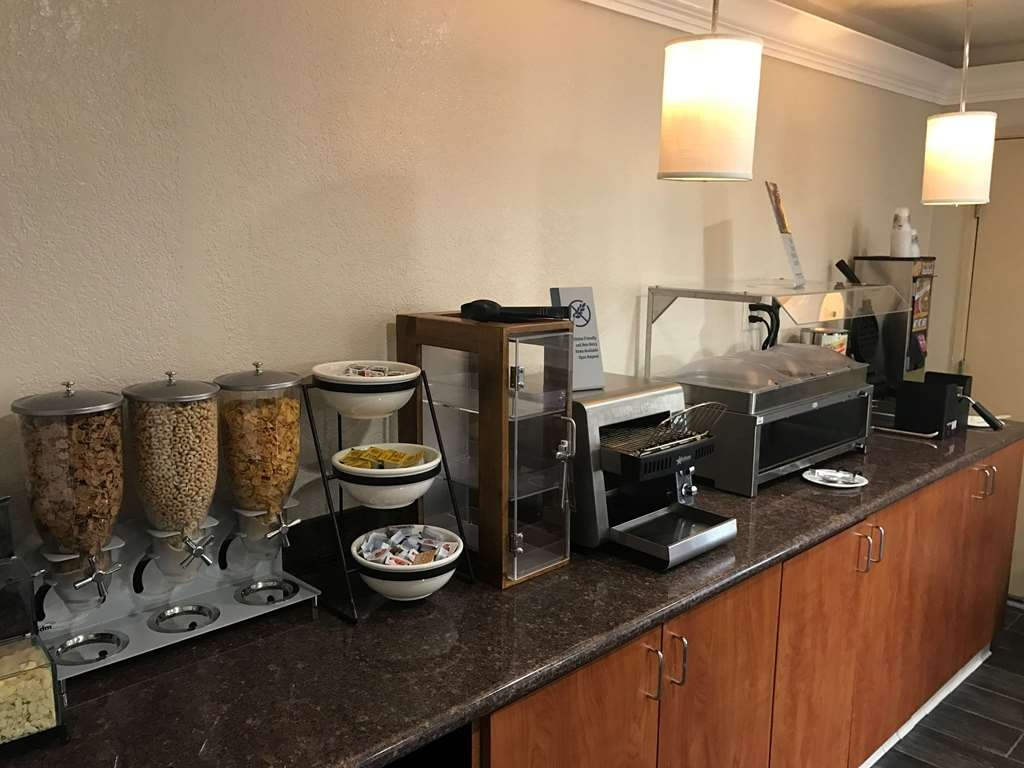 SureStay Plus Hotel by Best Western San Bernardino South - Rise and shine with a complimentary breakfast every morning.