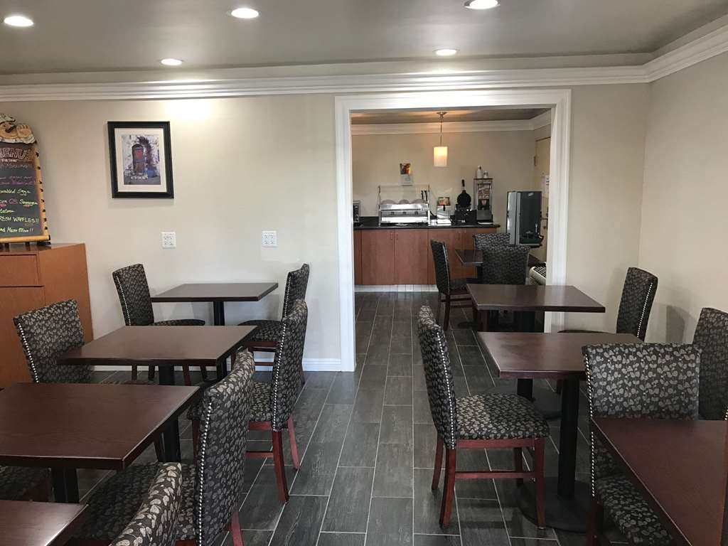 SureStay Plus Hotel by Best Western San Bernardino South - Our breakfast room offers intimate dining for couples and smaller groups.