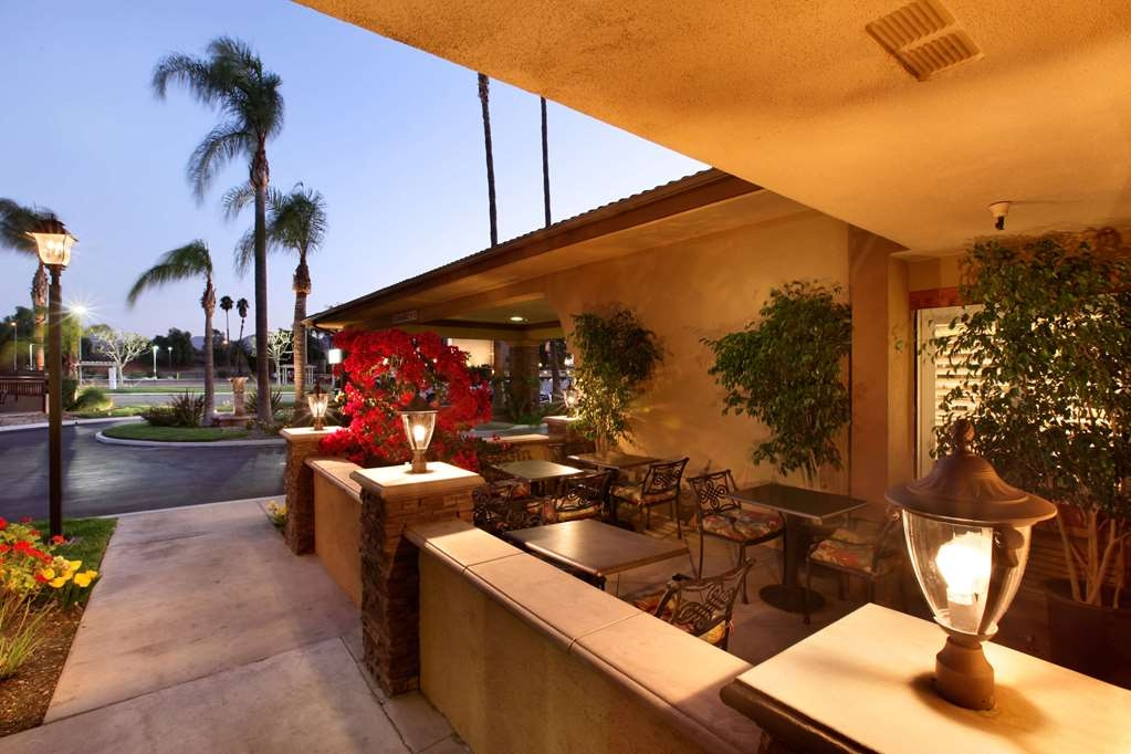 SureStay Plus Hotel by Best Western San Bernardino South - Enjoy a moment of peace and quiet on our outdoor public deck.