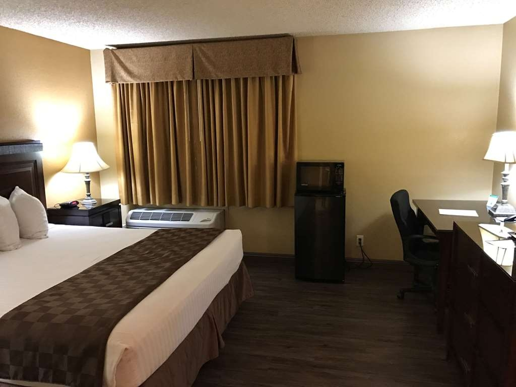 SureStay Plus Hotel by Best Western San Bernardino South - We offer roll in showers in our king mobility accessible king rooms.