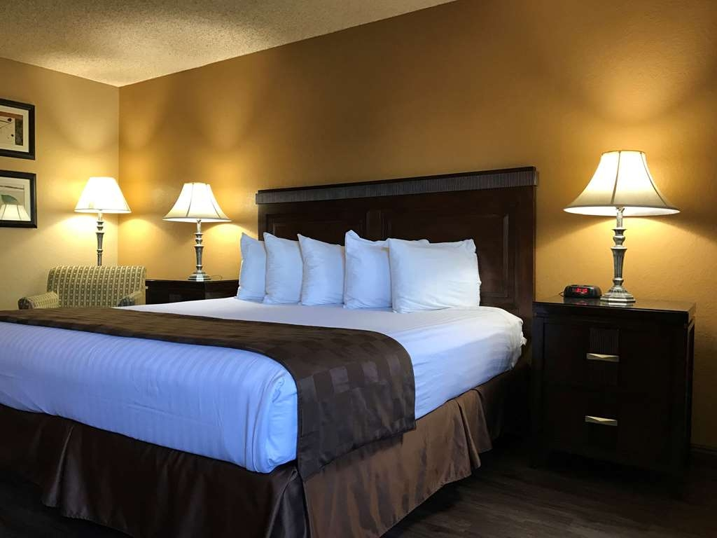 SureStay Plus Hotel by Best Western San Bernardino South - All of our king rooms have microwaves, refrigerators, flat screen TV's and free Wifi.