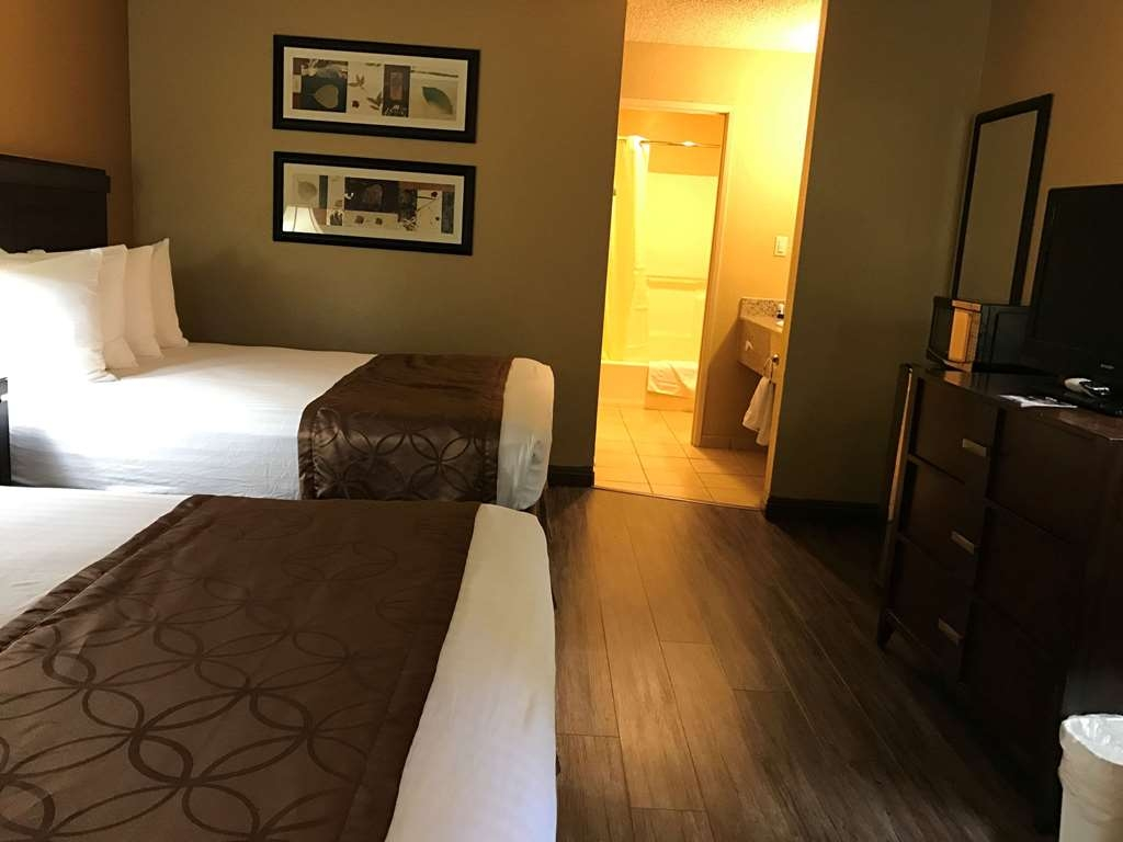 SureStay Plus Hotel by Best Western San Bernardino South - If your traveling with your family make a reservation in this 2 queen bedroom.