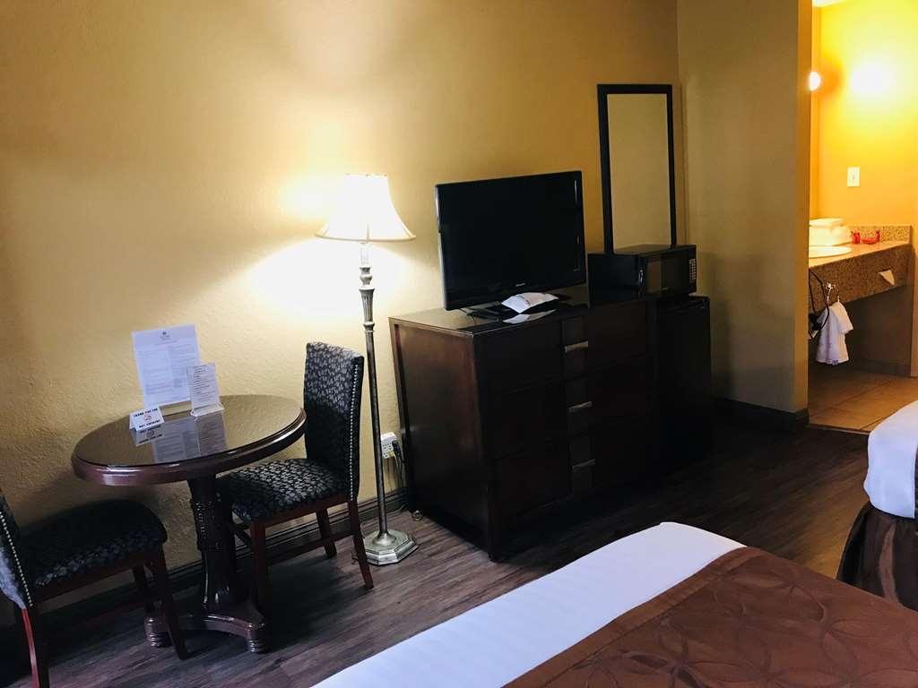 SureStay Plus Hotel by Best Western San Bernardino South - habitación de huéspedes-amenidad