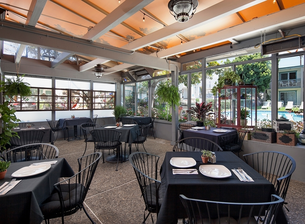 Best Western Plus Encina Inn & Suites - Live Oak Cafe Patio