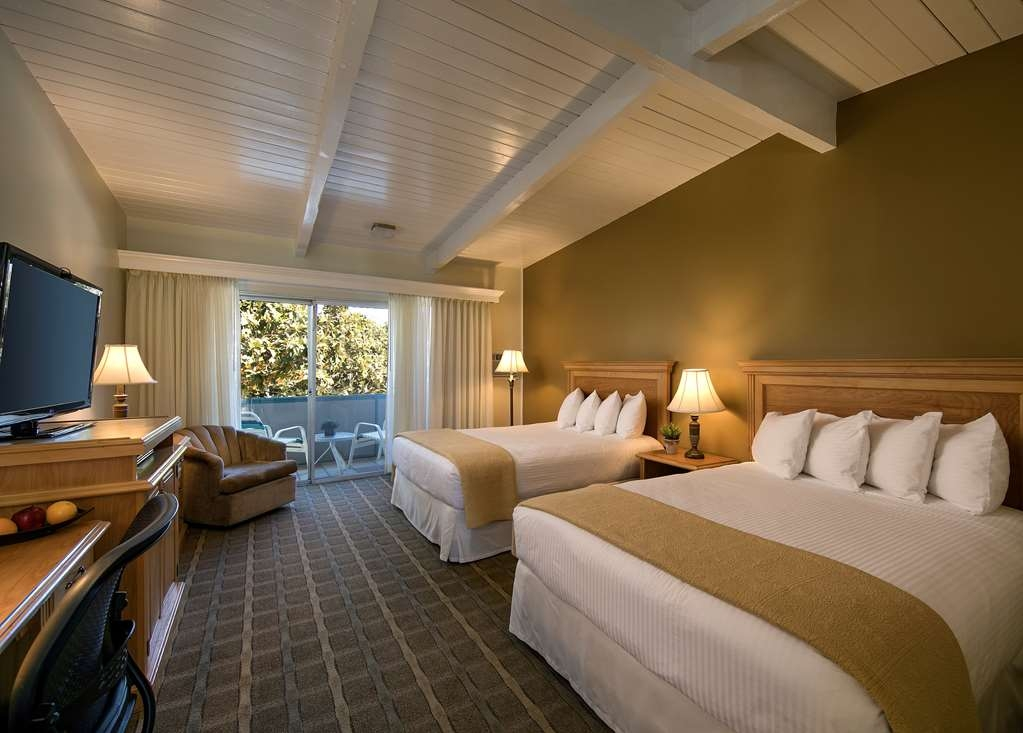 Best Western Plus Encina Inn & Suites - Guest Room with two Beds