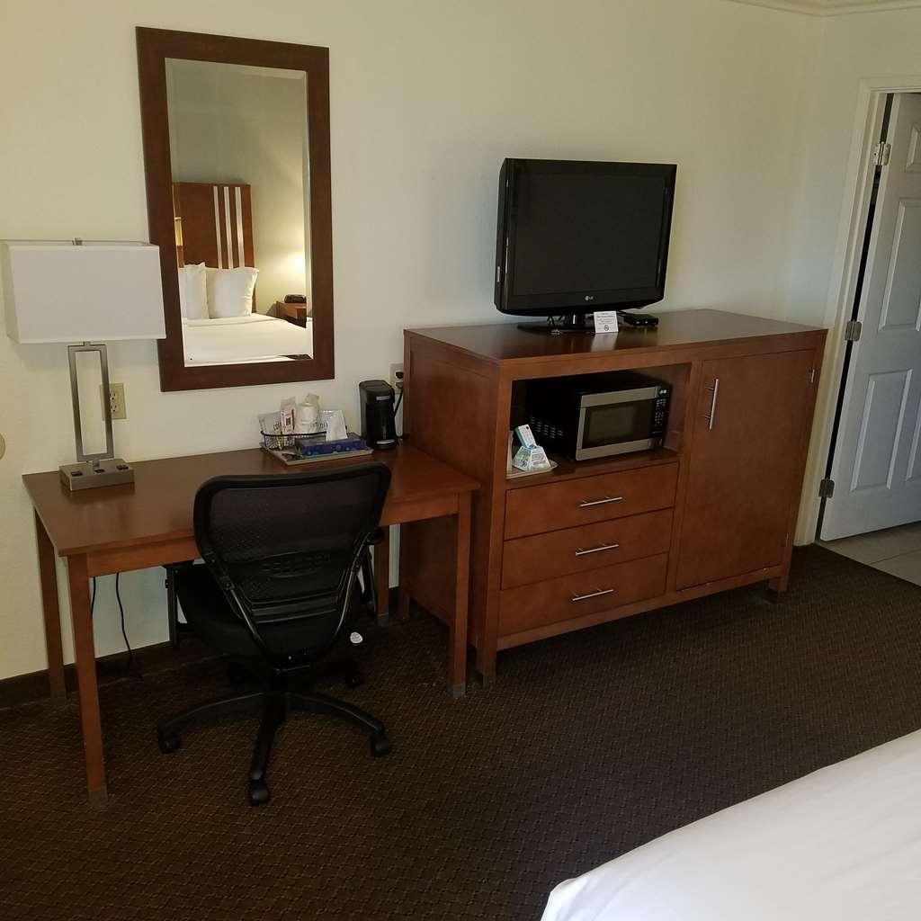 SureStay Hotel by Best Western Hollister - Zimmer Annehmlichkeiten