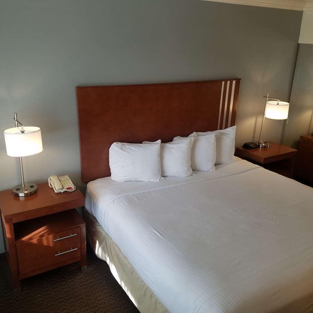 SureStay Hotel by Best Western Hollister - Gästezimmer/ Unterkünfte