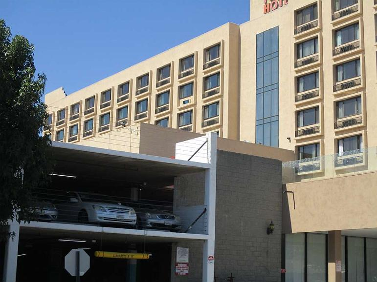 Lincoln Hotel, SureStay Collection by Best Western - Vista exterior