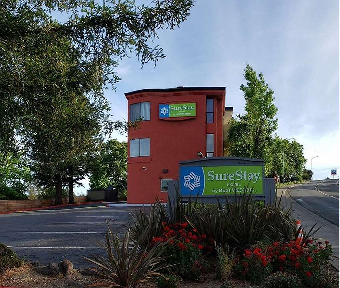SureStay Hotel by Best Western Vallejo Napa Valley - Vista exterior