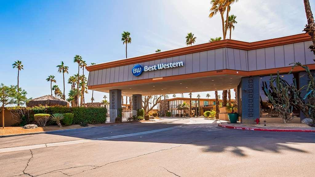 Best Western Date Tree Hotel - Vista exterior