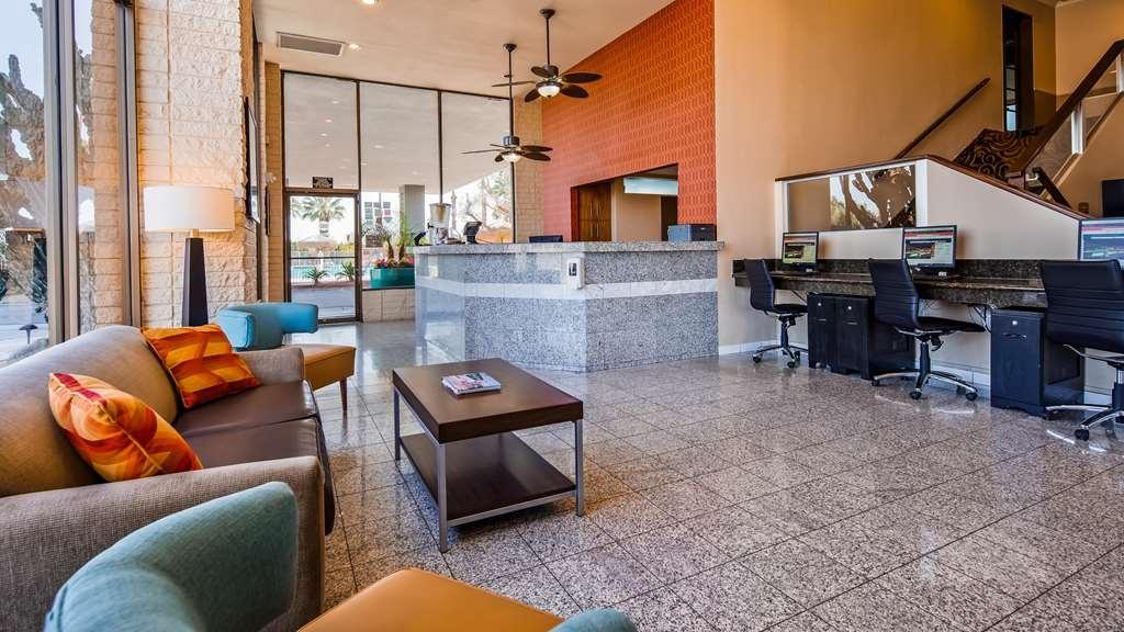 Best Western Date Tree Hotel - Lobby view