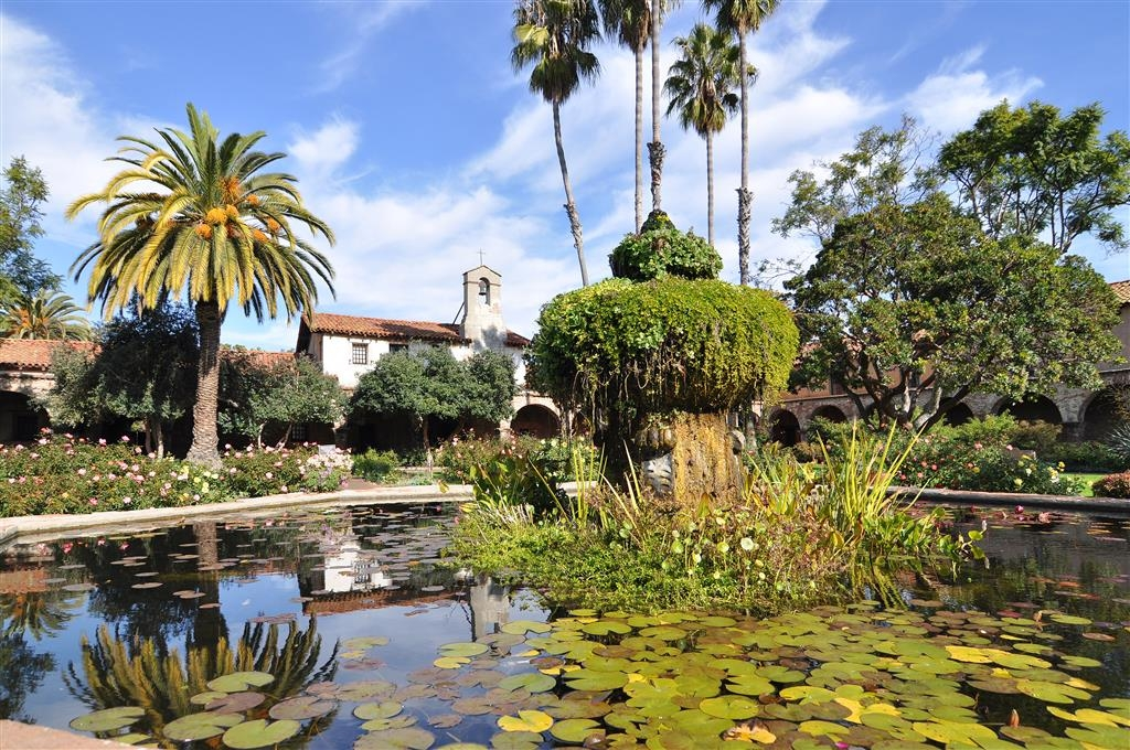 Best Western Capistrano Inn - Beautiful Mission Gardens