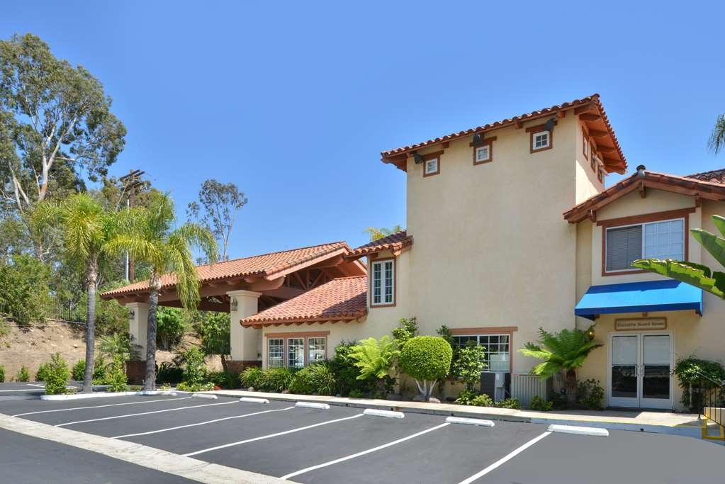 Best Western Capistrano Inn - Location, Location, Location - 4 short miles from beautiful Orange County Beaches!