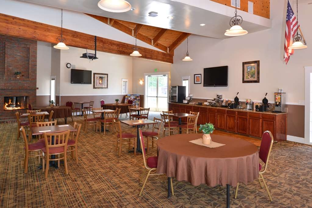 Best Western Capistrano Inn - Don't forget to start your day off right in our spacious breakfast room at the Best Western Capistrano Inn.
