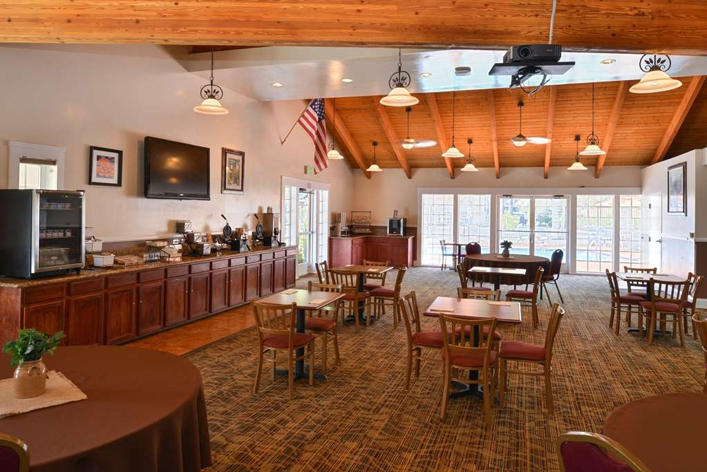 Best Western Capistrano Inn - Kick-start your morning with a complimentary full hot breakfast at the Best Western Capistrano Inn.