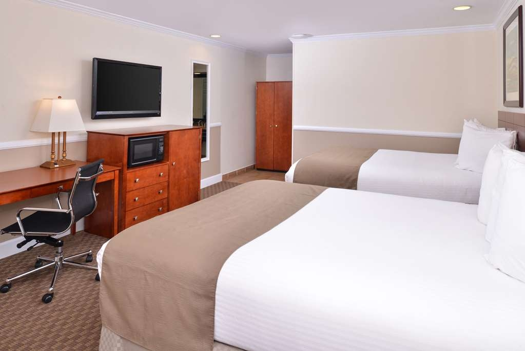 Best Western Capistrano Inn - Double Queen or Double Double Bed Guest Room