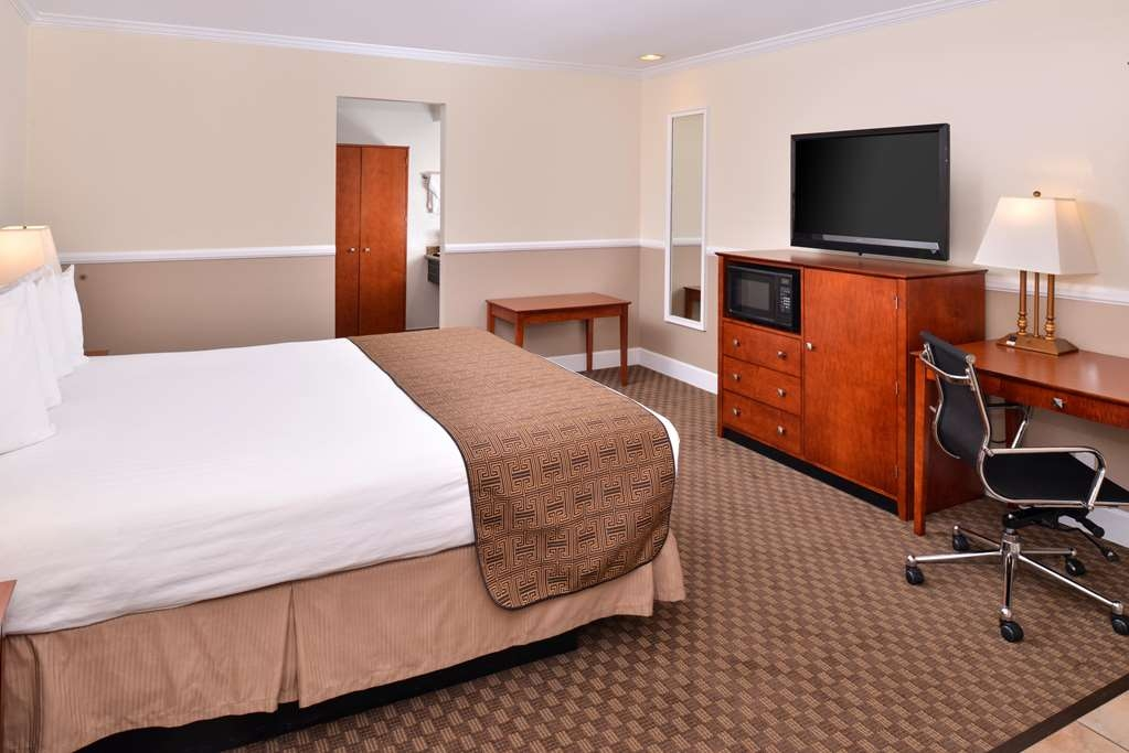 Best Western Capistrano Inn - One King or one Queen Guest Room