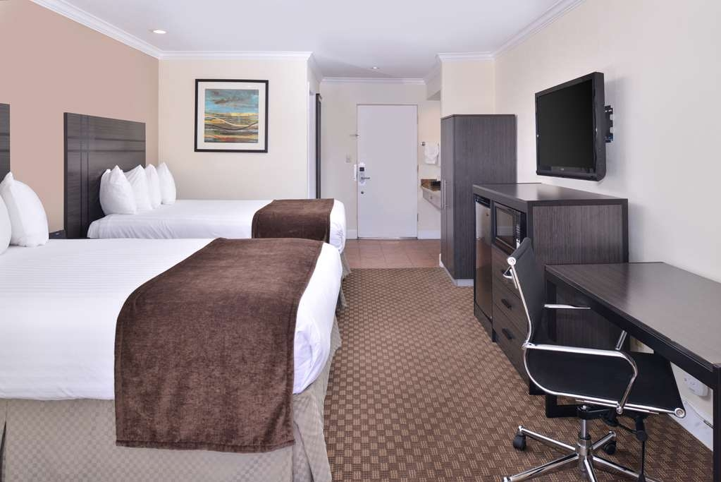 Best Western Capistrano Inn - Deluxe Double Queen Guest Room with Balcony