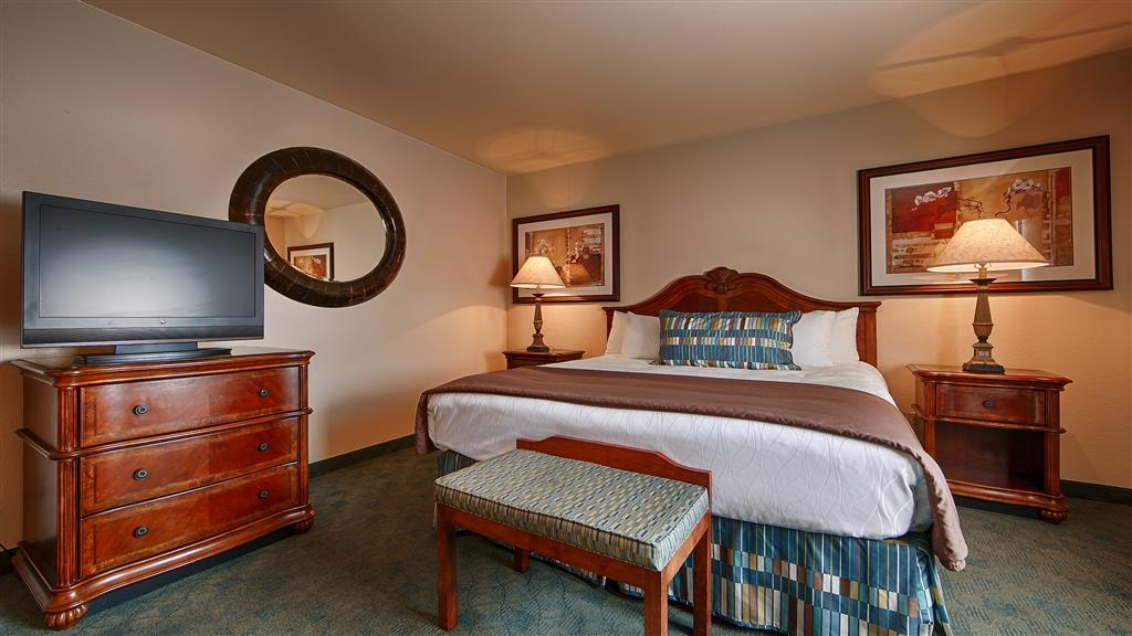 Best Western Miner's Inn - Relax in unmatched comfort and heightened luxury in our king suite, with 2 bedrooms and a separate living room.