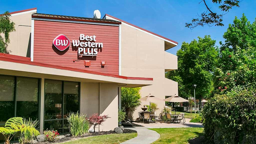 Best Western Plus Garden Court Inn - Welcome to the BEST WESTERN Plus Garden Court Inn
