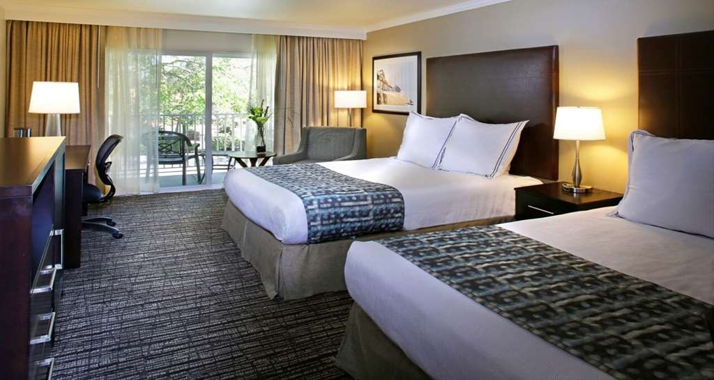 Best Western Plus Garden Court Inn - Make yourself at home in our two queen guest room