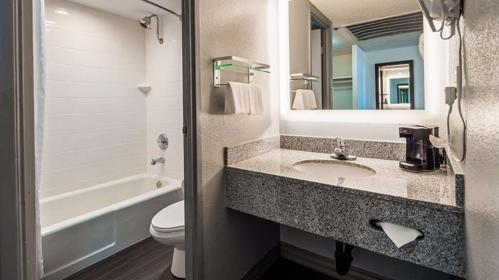 1e0a9755 Hotel in San Diego | Best Western Yacht Harbor Hotel