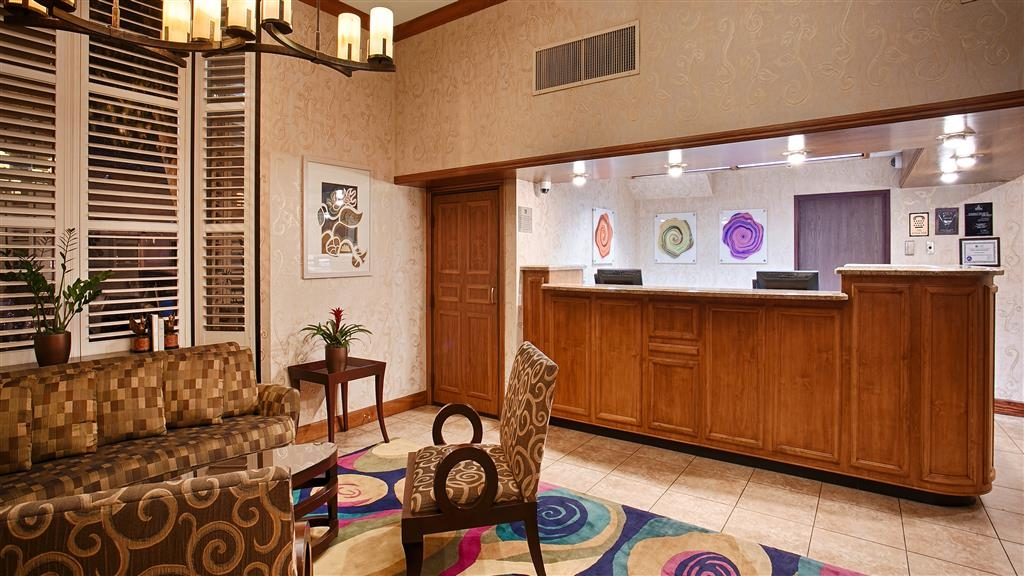 Best Western Plus Sutter House - Our front desk staff is always available for your convenience.