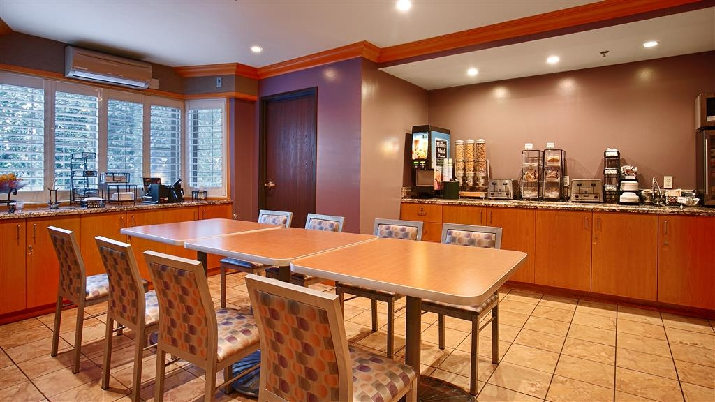 Best Western Plus Sutter House - Enjoy a complimentary breakfast served every morning in our breakfast room.