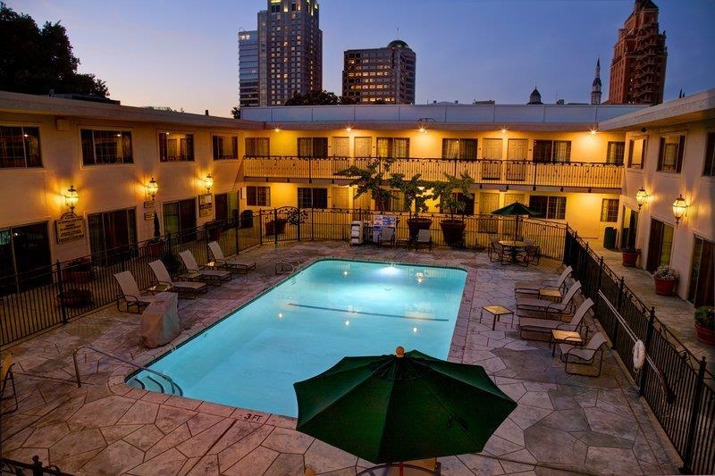 Best Western Plus Sutter House - Enjoy a moment of solitude at our private courtyard attached to the outdoor pool area.