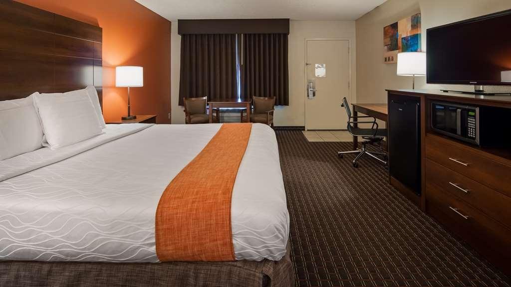Best Western Roseville Inn - One king bed