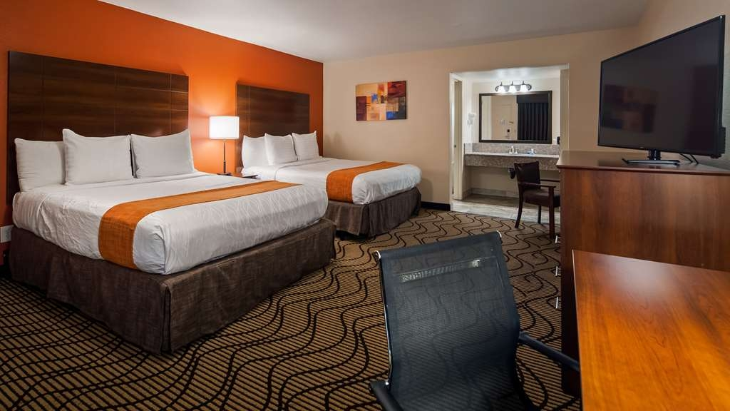 Best Western Roseville Inn - Two queen beds