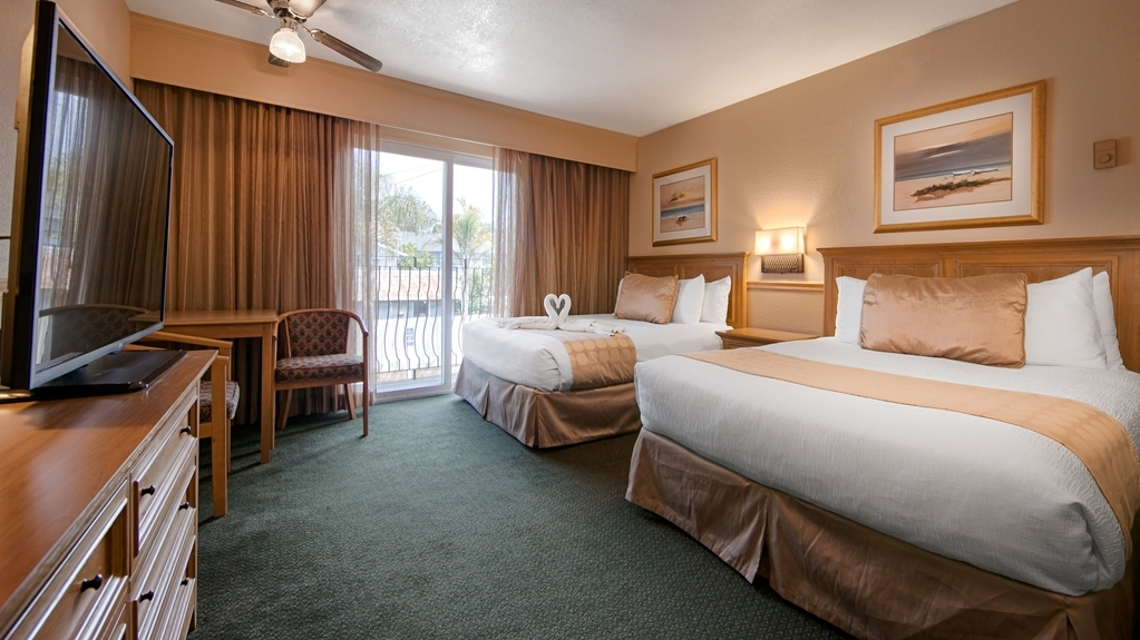 Best Western San Marcos Inn - If you're traveling with your family or group of friends, opt for our two queen standard guest room.