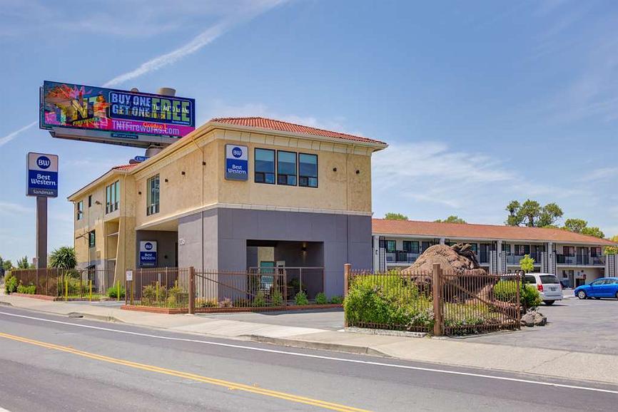Best Western Sandman Hotel - Vista exterior