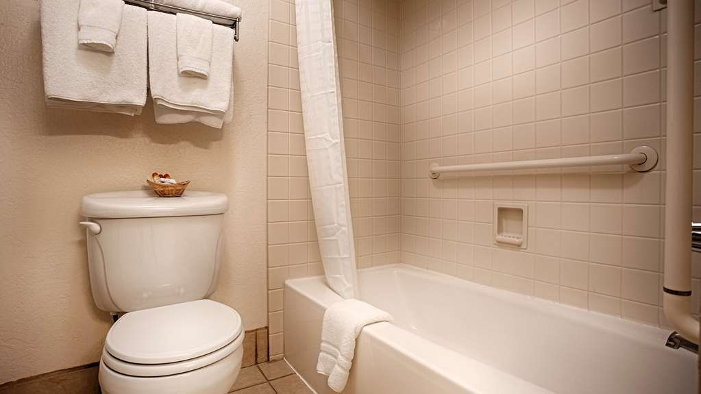 Best Western Sandman Motel - We've designed our bathrooms with your convenience in mind.