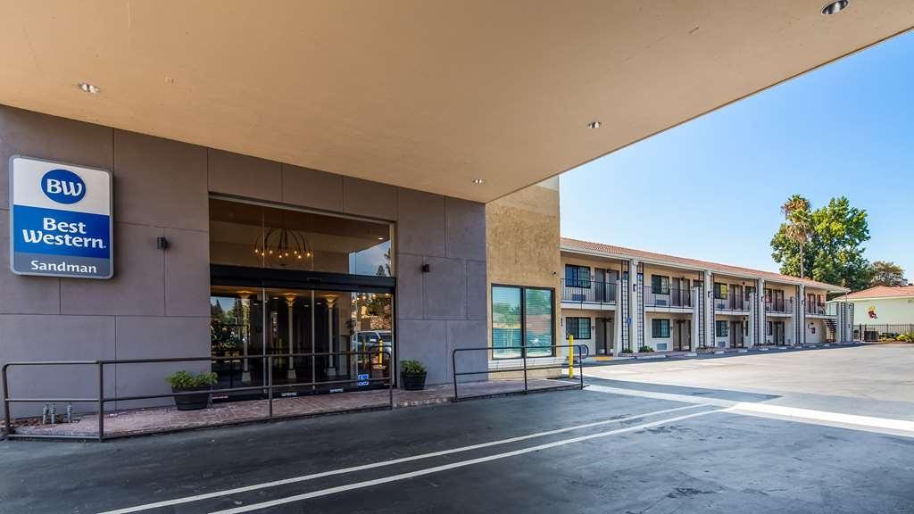 Best Western Sandman Motel - Vista Exterior