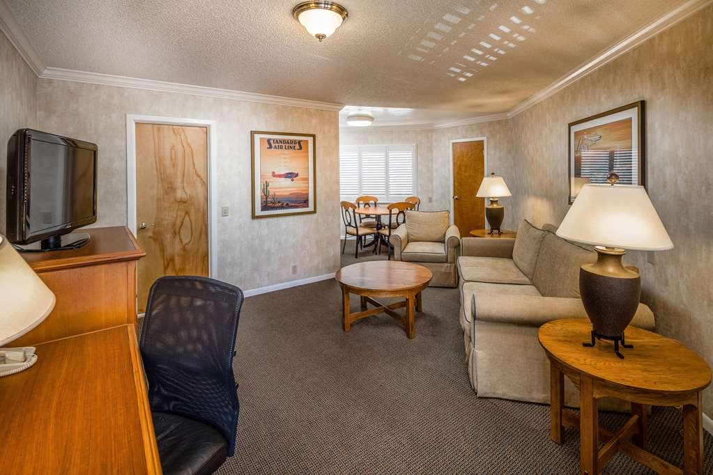 Best Western Plus El Rancho Inn - Suite