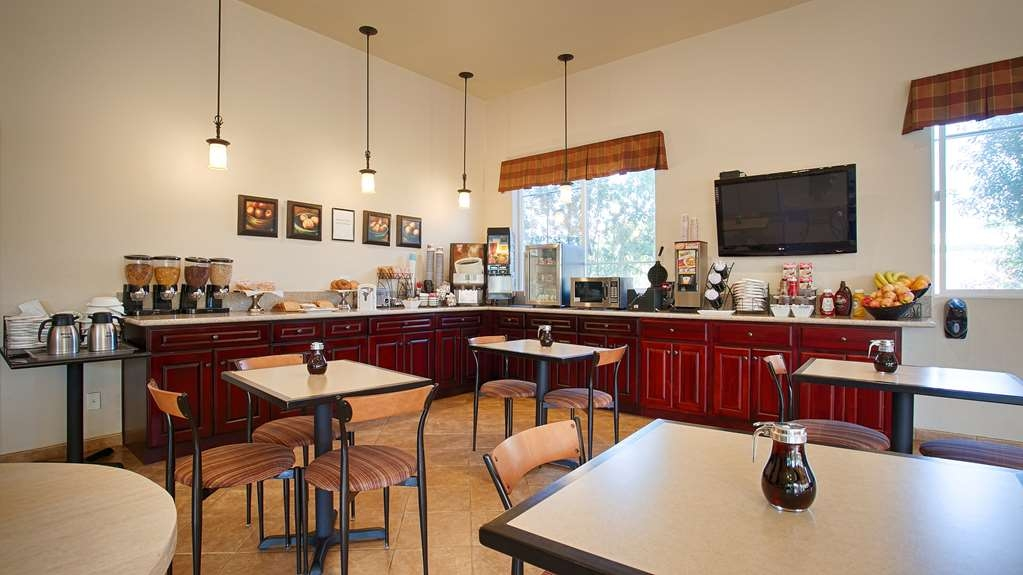 Best Western Inn Santa Clara - Start your day off right with a delicious complimentary breakfast.