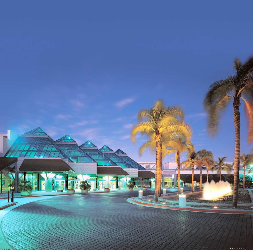 Best Western Inn Santa Clara - We're located near the Santa Clara Convention Center!