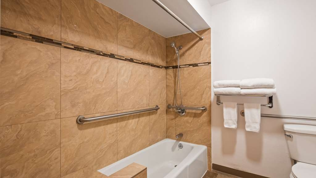 Best Western Inn Santa Clara - ADA Guest Bathroom