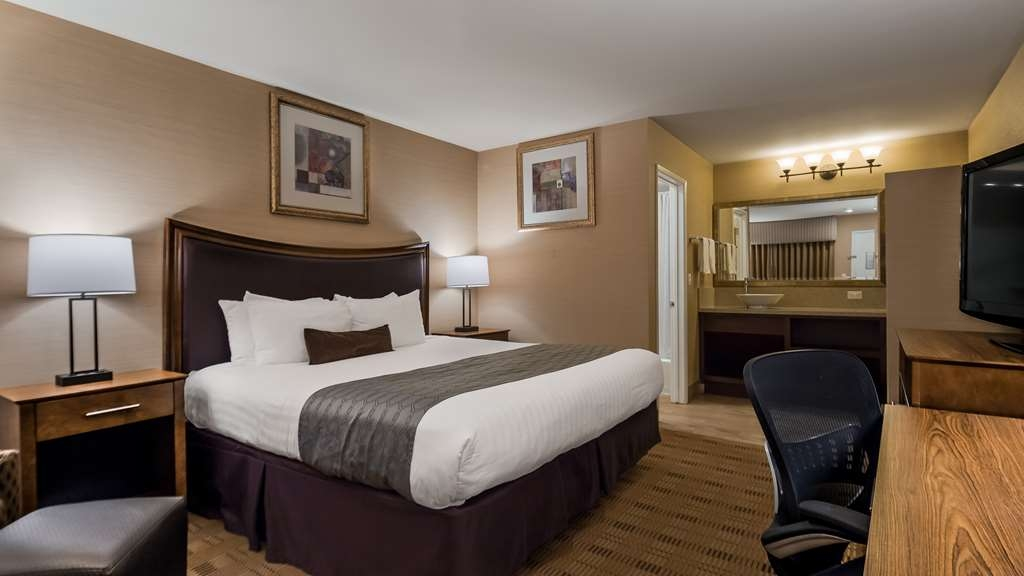 Best Western Inn Santa Clara - Designed for corporate and leisure traveler alike, make a reservation in this King Size Bed Room.