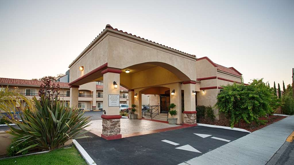 Best Western Inn Santa Clara - Experience everything the area has to offer with comfort and convenience at the Best Western Inn Santa Clara.