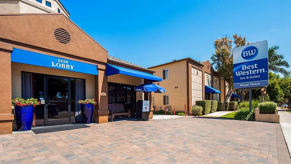 Best Western Royal Palace Inn & Suites - Exterior