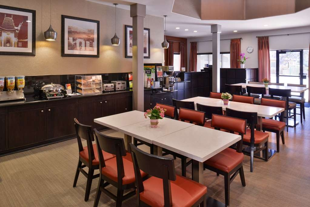 Best Western Royal Palace Inn & Suites - Restaurant / Gastronomie