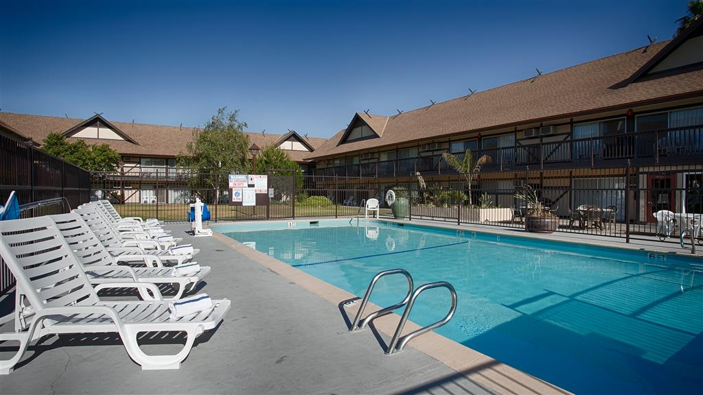 Best Western Andersen's Inn - Bring back a California tan and relax poolside in our comfortable lounge chairs.