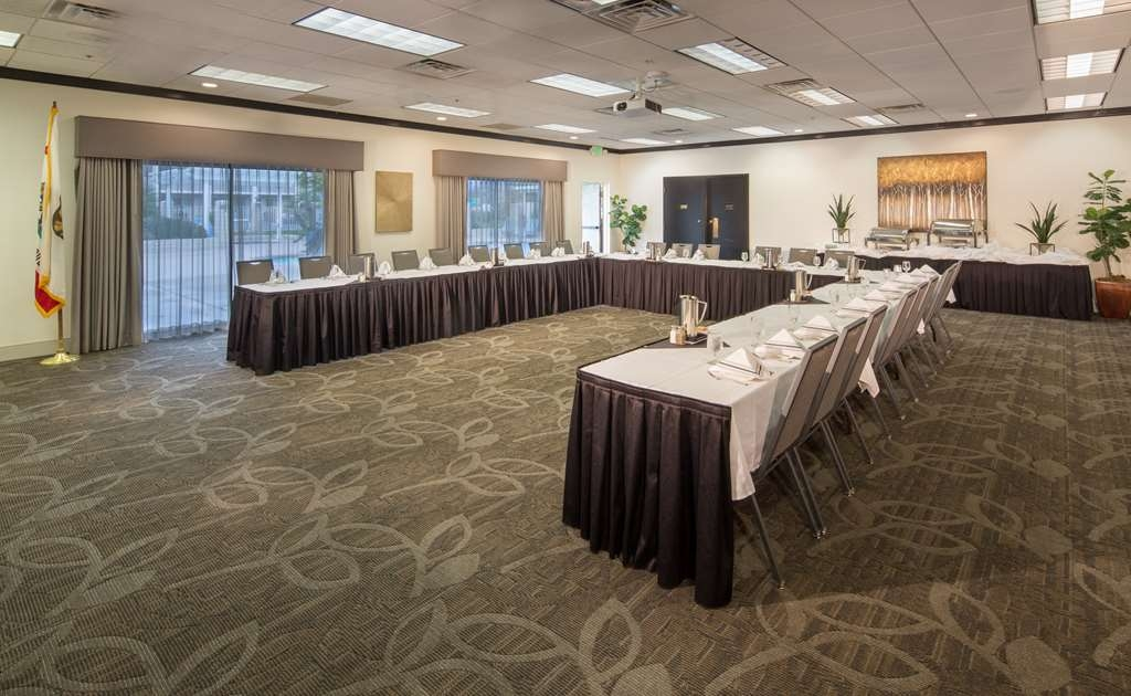 Best Western Plus Hilltop Inn - Our banquet room features 1,125 square feet and accommodates up to 80 guests for your next event.