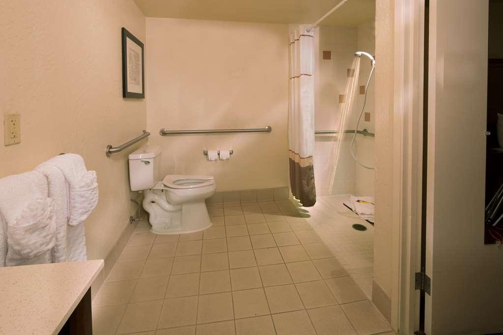 Best Western Plus Hilltop Inn - Enjoy the roll-in shower in our ADA guest bathroom
