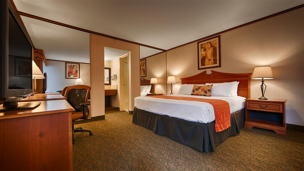 Best Western Seven Seas - Designed for corporate and leisure traveler alike, make a reservation in this king guest room.