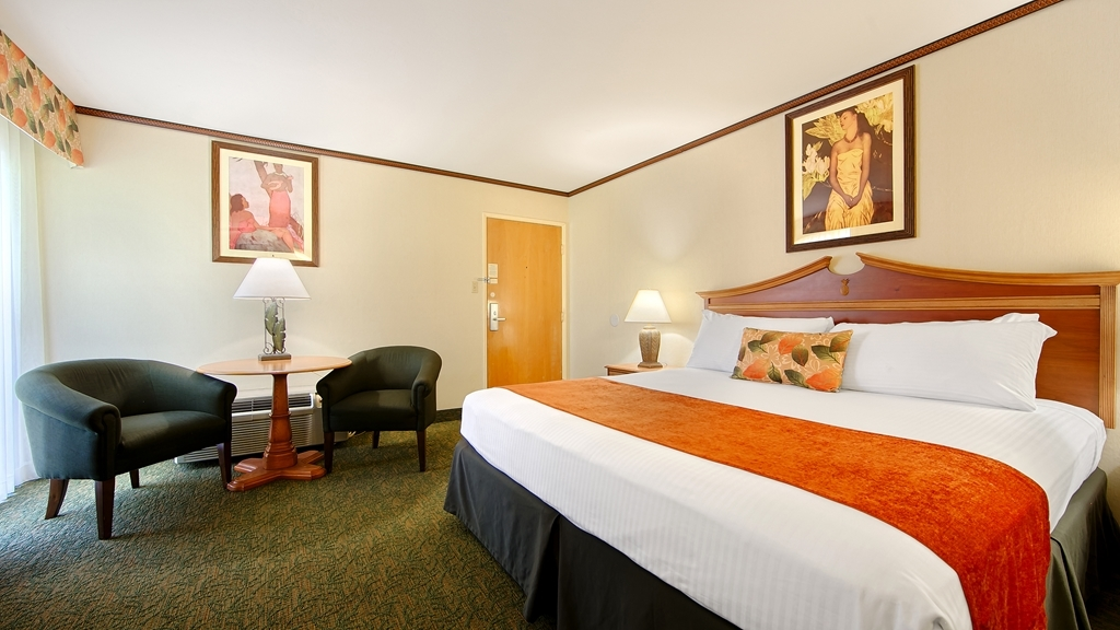 Best Western Seven Seas - Indulge yourself in our warm, welcoming and inviting king guest room.