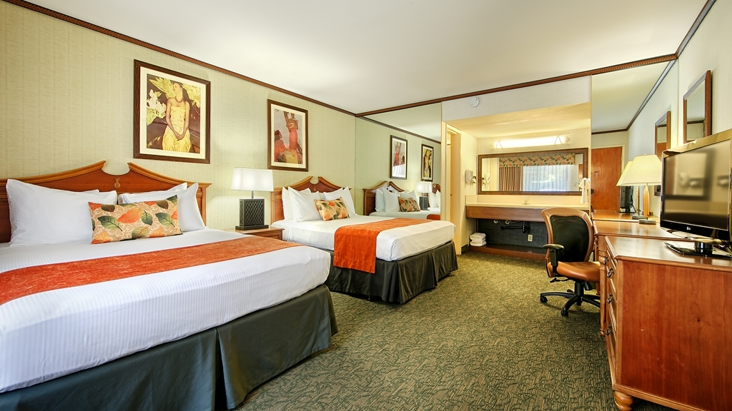 Best Western Seven Seas - Stretch out and relax in the double bedded guest room.