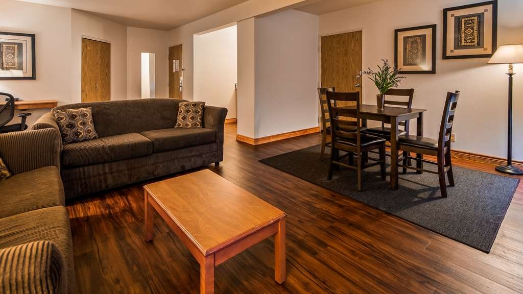 SureStay Plus Hotel by Best Western Post Falls - Designed for corporate and leisure traveler alike, make a reservation in this king suite room.